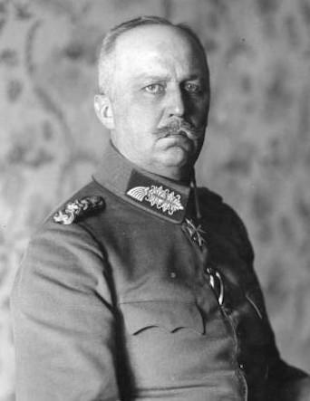 Bundesarchiv_Bild_183-2005-0828-525_Erich_Ludendorff_(cropped)(b).jpg