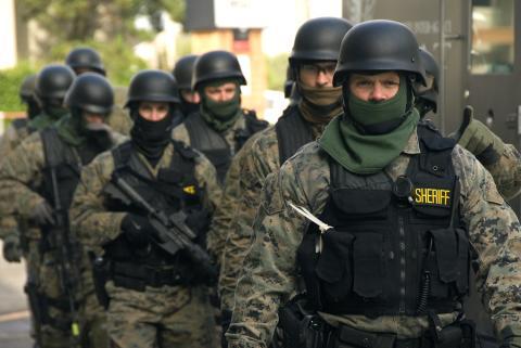 SWAT_team_prepared_(4132135578).jpg