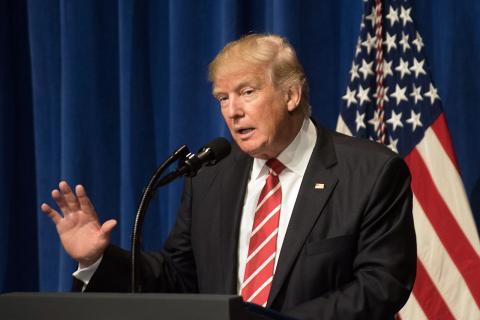 Trump_visits_MacDill_Air_Force_Base_(31942365443).jpg