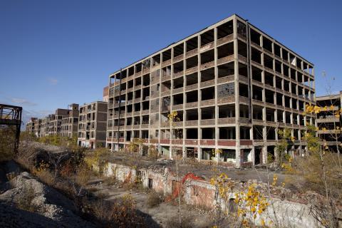 Abandoned_Packard_Automobile_Factory_Detroit.jpg