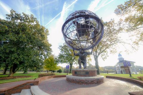 Atlas_statue_at_High_Point_University.jpg