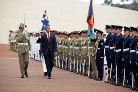 Barack_Obama_reviews_Australias_Federation_Guard.jpg