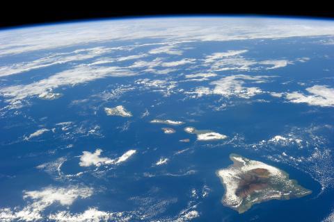 ISS-38_Hawaiian_Island_chain.jpg