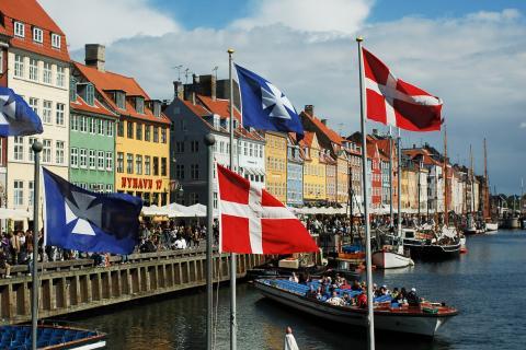 Nyhavn_canal_Denmark.jpg