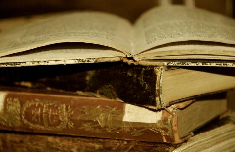 Old_Books.jpg