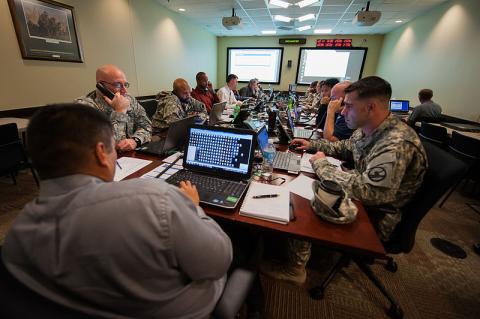 USARC_Enterprise_Email_Migration_underway_130114-A-XN107-114.jpg