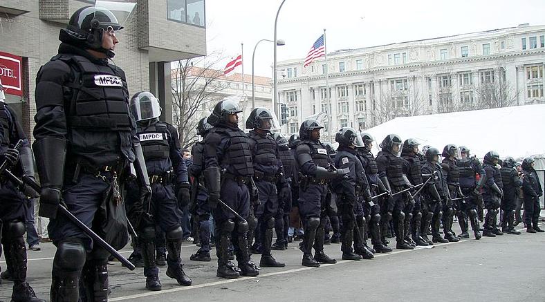 Os motins de Minneapolis são um lembrete de que a polícia não protege você ou sua propriedade 8
